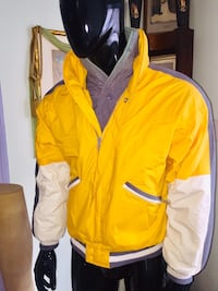 """""""BROOKS BROTHERS"""" Men's (S) Outerwear Zippered inside Pockets added layer for warmth Quincy, 02169"""