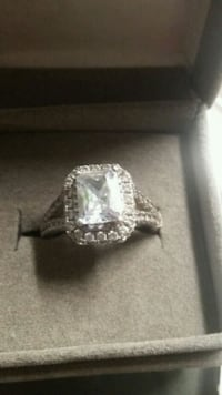 Gorgeous Sterling silver 925 * Ring size 7  White Rock