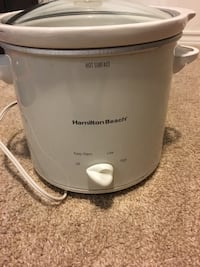 white Hamilton Beach slow cooker Fairfax, 22032