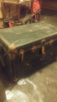 Vancouver trunk and bag Co. Steamer trunk Coquitlam, V3C 4M4