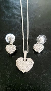 Matching earring and necklace set  Edmonton, T5E
