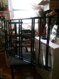bed frame queen size Yonkers, 10705