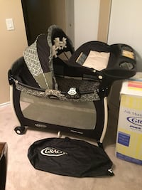 Graco deluxe playpen Surrey, V3W 6X6