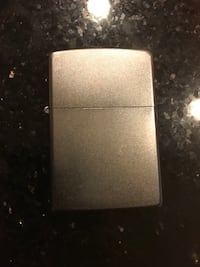 Zippo with fluid and lights perfect  Chicago, 60631