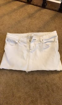 Size 1 white mini skirt