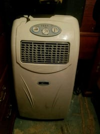 beige and gray portable AC unit York, 17404