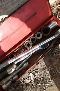 Socket wrench set comes with everything