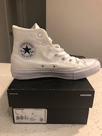 White Chuck Taylor Sneakers 5M 7W Silver Spring, 20910