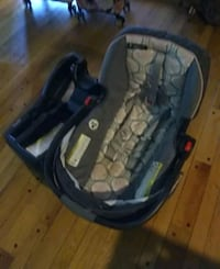 child's car seat Silver Spring, 20906