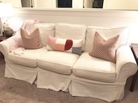 Pottery barn sofa good condition Chelsea, 35043