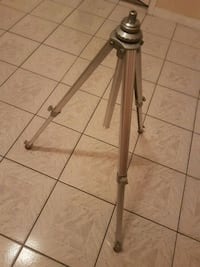 Tripod.. all aluminum  Richmond, V6V 2P8