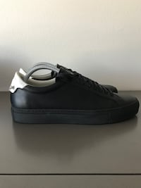 Men's GIVENCHY sneakers Size 40 Phoenix, 85051