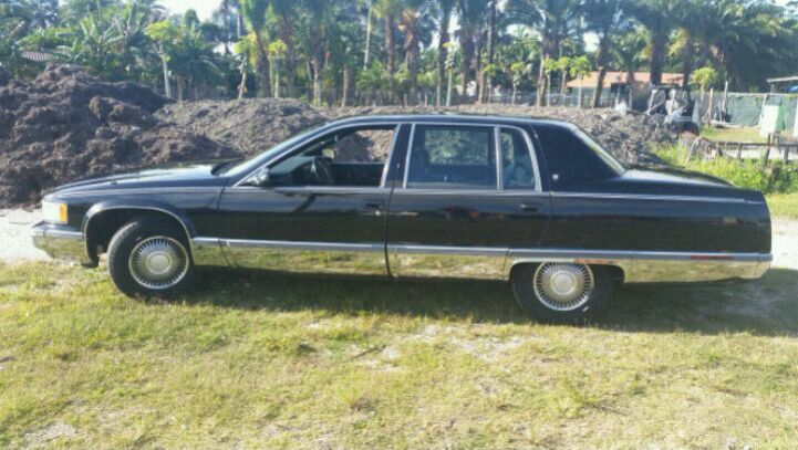 Photo 1996 Cadillac Fleetwood Broughm