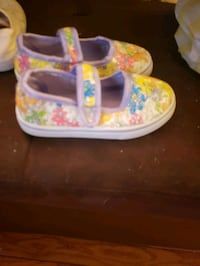 Lil girls size 7 shoes Brick Township, 08724