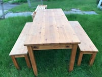 slid wood table with 2 benches Meriden