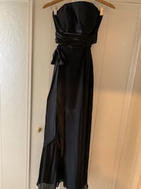 BARI JAY BLACK GOWN-Size 8 (worn once) Calgary, T2P 0G8