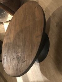 round brown wooden pedestal table Los Angeles, 90094
