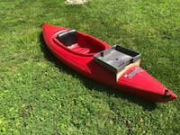 Red Kayak with 2 paddles and 1 life preserver Brookeville, 20833