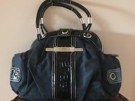Black guess handbag. Never used.