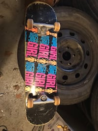 GIRL SKATEBOARD WITH INDEPENDENT TRUCKS