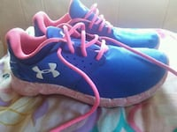 pair of blue-and-pink Under Armour 3Y sneakers 401 mi