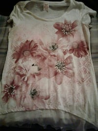 (Small 4-6)Baige and pink floral high low shirt