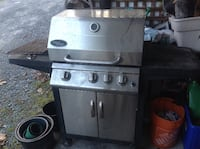 Bbq needs some cleaning up works fine VANCOUVER