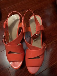 Guess heels 10 M Kitchener, N2E 4E1