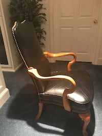 Black Leather Side/Office Chair Mashpee