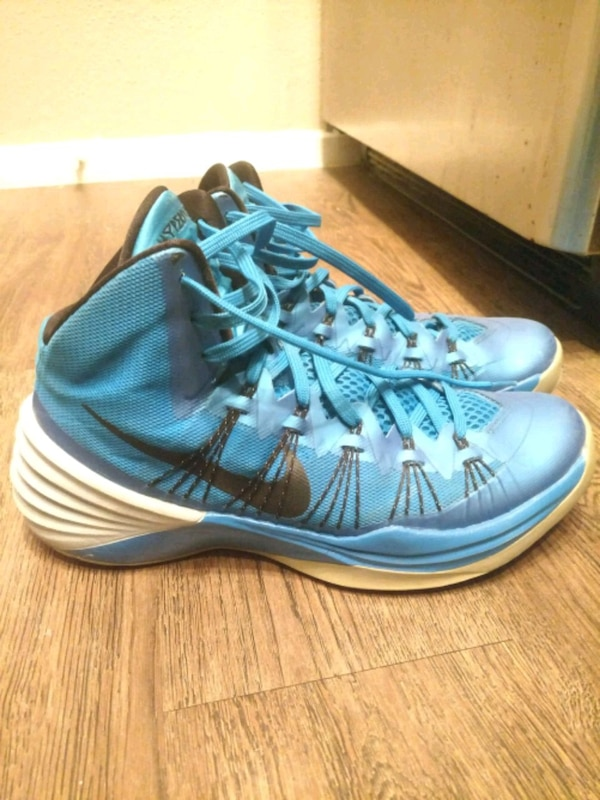 4f0fafeedb6 Used Nike Hyperdunk Basketball Shoes Size 10M for sale in Roscoe - letgo