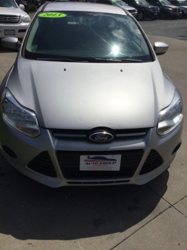 *ONE OWNER/CLEAN CARFAX* 2013 Ford Focus SE Hatchback -- GUARANTEED CREDIT APPROVAL 3f55c5c4-cf8a-4a85-aa13-ae0cfd35a1f1
