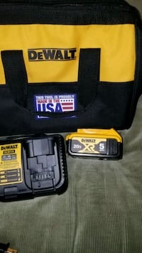 New dewalt 20v MAX XR 5.0ah battery and charger wi Chantilly