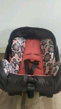 black and white floral car seat carrier Chestermere, T1X 1S5