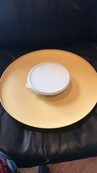 """Tupperware Chips and Dip 14"""" Tray. Orchard Hills, 21742"""