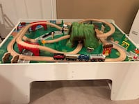 New! Mountain Pass Train set AND used train table  Vaughan, L6A 0M5