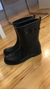 Joe Fresh Grey short rubber boots size 9  Thunder Bay, P7G 1R6