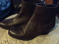 Brown leather women's boots size 10 Parksville, V9P 2S1