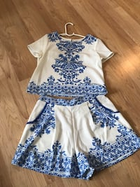 White and blue floral two piece set Fargo, 58102