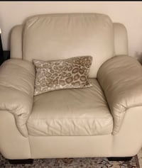 Single seat leather couch  Toronto, M9C
