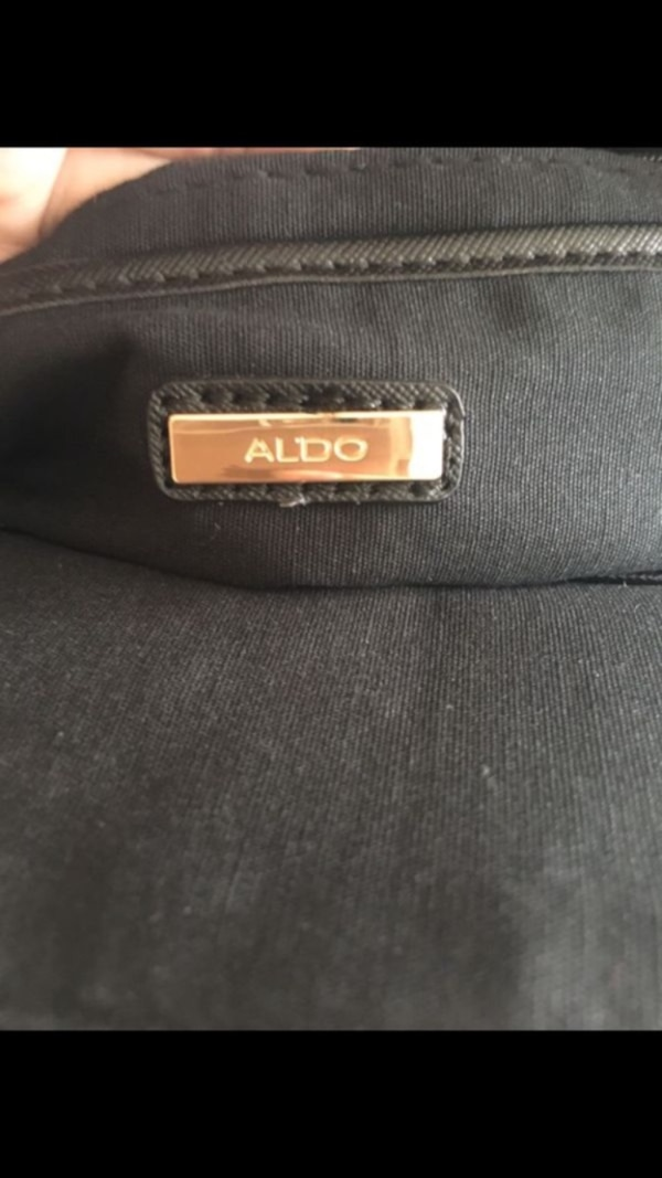 Aldo bag used only once e88128b2-3f76-4370-84f6-61dad981ea41