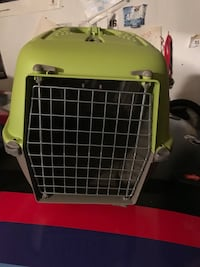 baby's green and gray pet carrier 22 km