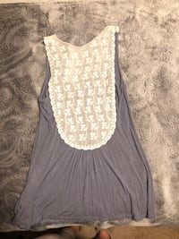 Bella D tank top. Medium. Fayetteville, 72701