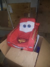 cars kid seat that makes noise like lightning mcqueen nice condition and works Manassas