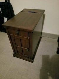 End table or in between table with usb outlets and Las Vegas, 89148