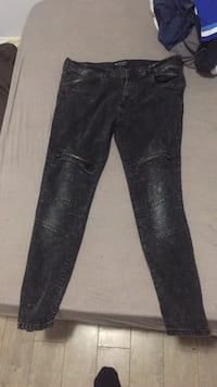 pair of black denim jeans Oakville, L6K 1X9