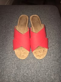Pair of pink leather open toe sandals Markham, L3T 5T1