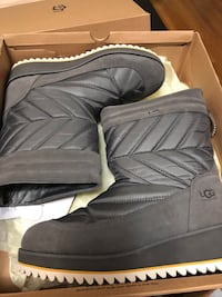 Ugg boots size 9 brand new  Toronto, M6L 2N3