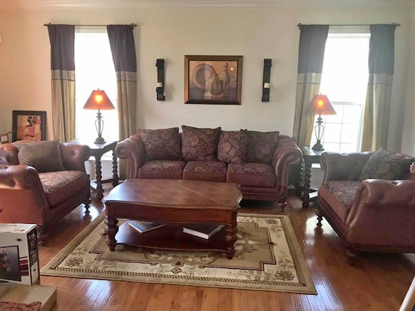 Beautiful quality living room set leather and fabric sofa couch and two  oversized chairs, coffee table, two end tables