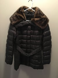 Black Esprit jacket with removable fur collar size XL Abbotsford, V2T 4M3