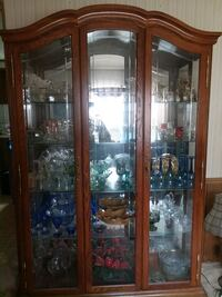 Brown wooden framed glass display cabinet Kalamazoo, 49009